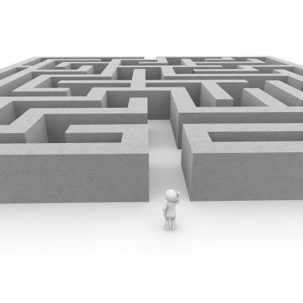 labyrinth-1013625_1920